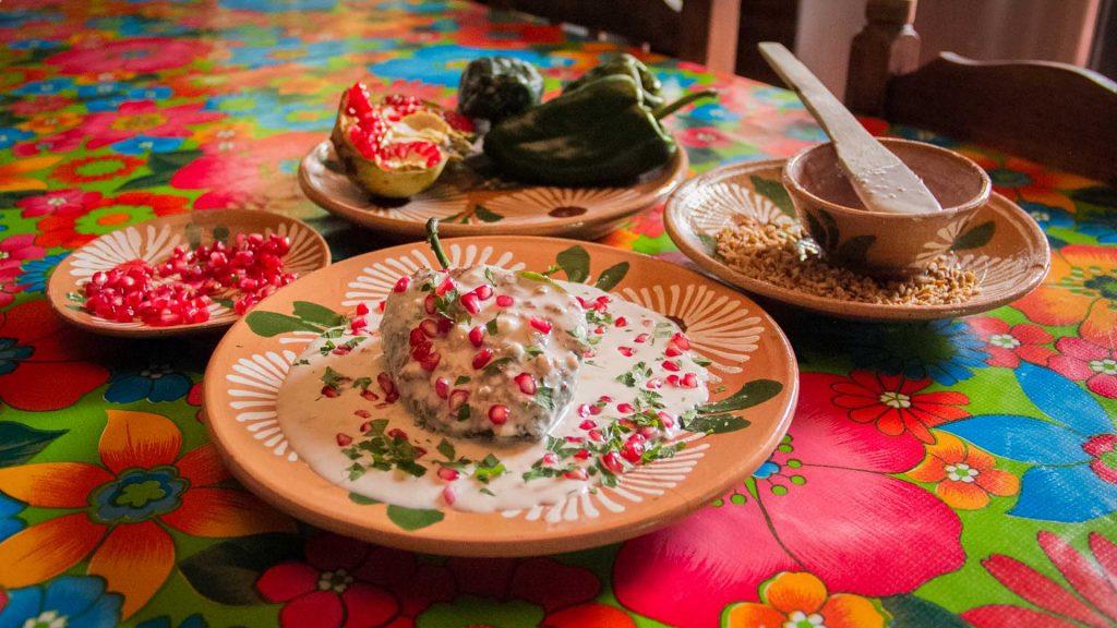 chiles en nogada