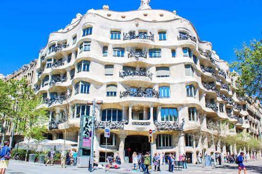 5 construcciones imponentes del mundo. Esta hermosa obra es de España.
